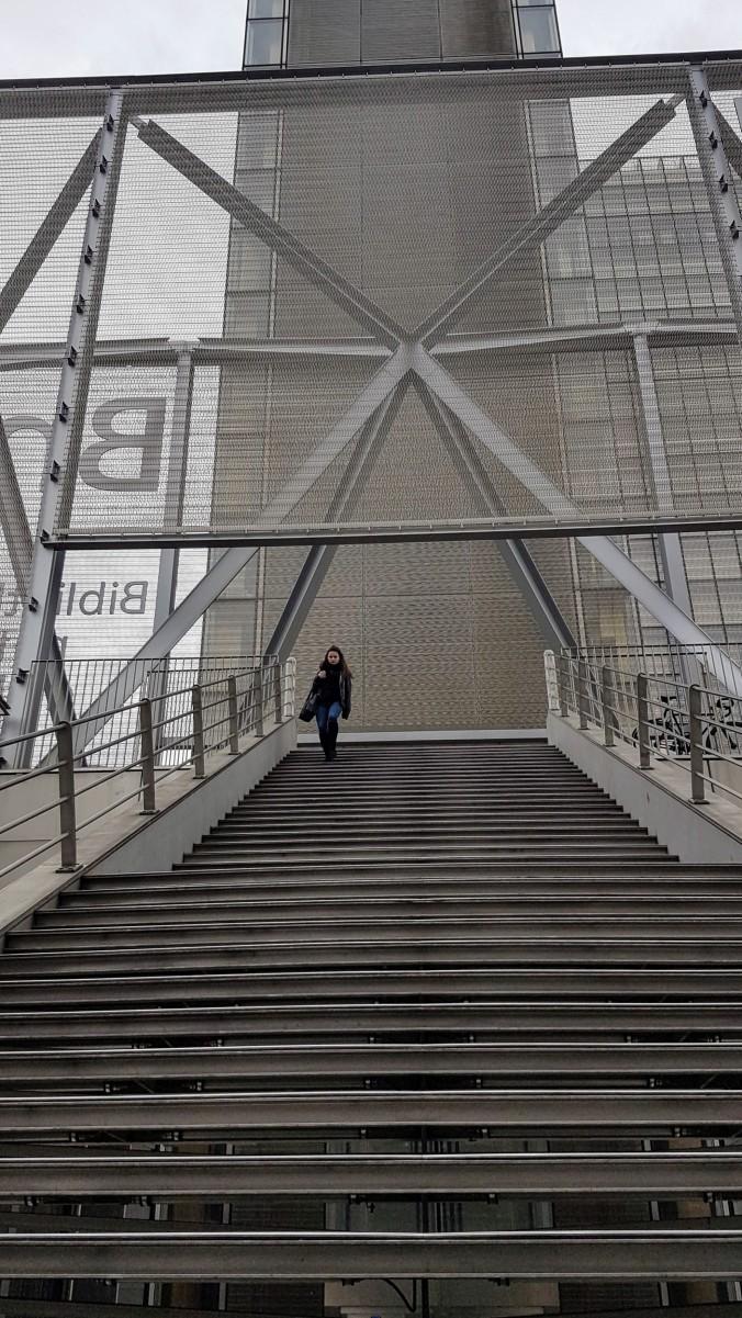 BNF. L'escalier de l'entrée Est164643 (1).jpg